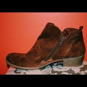 •Brown Booties